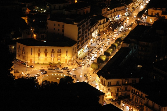 modica- sicily-at-night