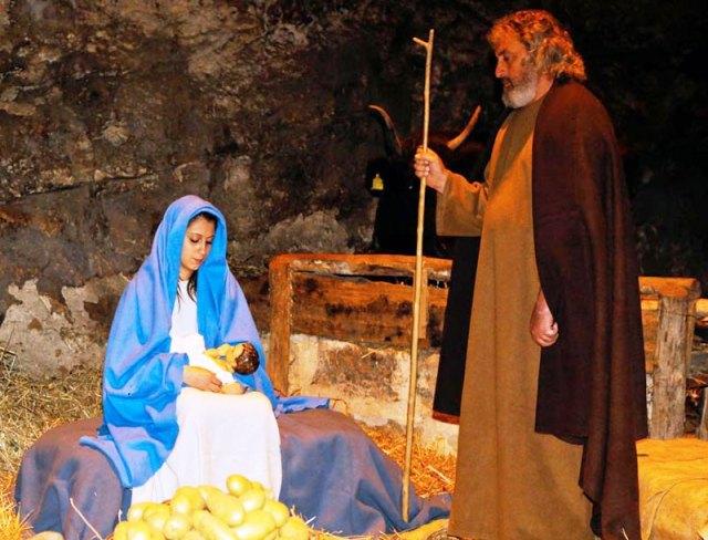 living-nativity-scene
