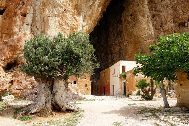 mangiapane grotto