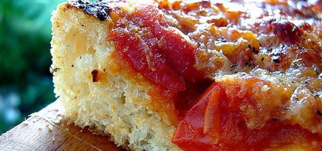 Sicilian pizza or Sicilian schiacciata? Here is the authentic recipe