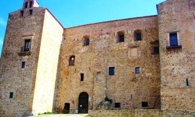 ventimiglia castle