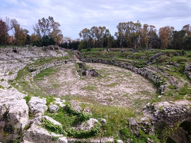 syracuse roman amphitheatre