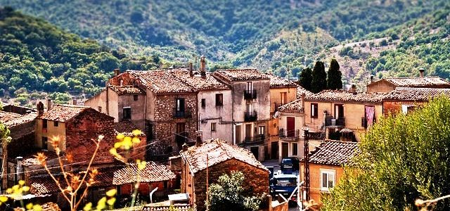 Houses for sale in Sicily for 1 euro. Discover the truth!