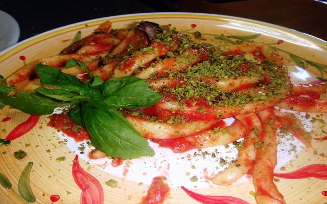 macaroni with pistachio