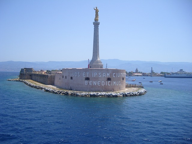 madonnina-port-messina