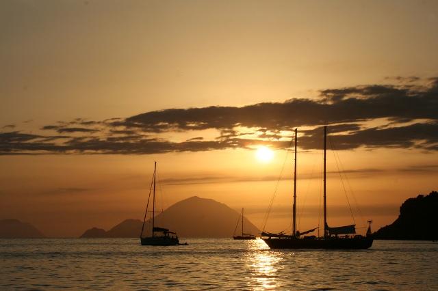 Salina island sicily on web for Salina sicily things to do